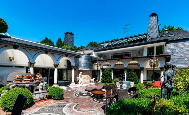 Property for Sale in Mendelssohnweg 40, Wuppertal, North Rhine-Westfalia, Germany